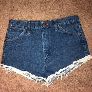 WRANGLER || denim high waist ribbon shorts size 30